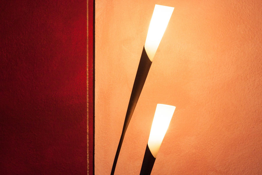 Nowoczesne lampy podłogowe – sprawdź, który model najlepiej pasuje do Twojego wnętrza