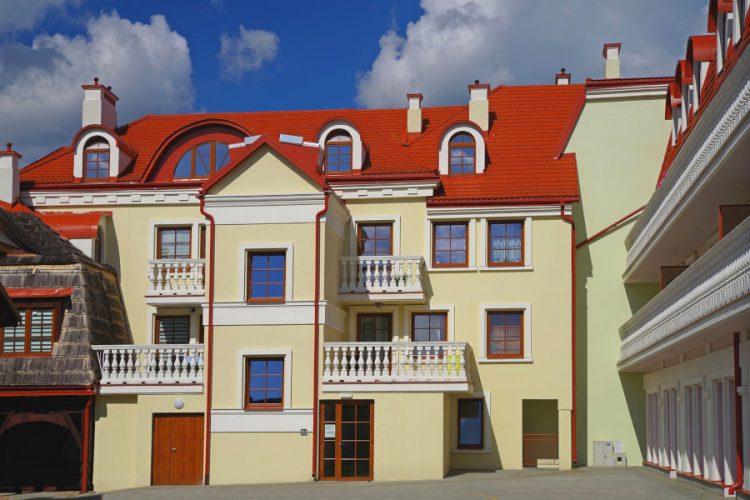 Elementy architektoniczne budynku o niepowtarzalnym uroku